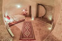 Stone Door Family Cave Suite with Jacuzzi